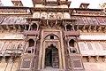 Jahangir Mahal. Orchha, India (23582286925).jpg