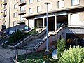 Jakutská, průchod domem Bělocerkevská 24 a 26, schodiště.jpg