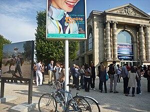 Martin Parr - Queue for the exhibition ParrWorld at Galerie nationale du Jeu de Paume, Paris, 2009.