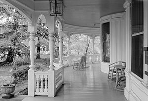 English: Porch of the John Calvin Owings House...