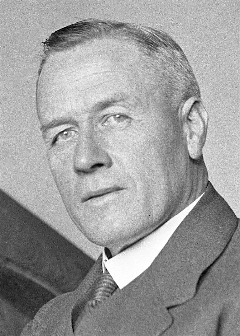 John Latham 1931