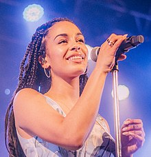 Jorja Smith at The Opera House - 2018 (41902039582) (cropped).jpg