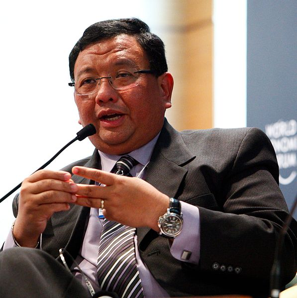 File:Jose Rene D. Almendras - World Economic Forum on East Asia 2010 crop.jpg