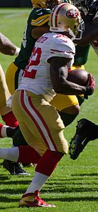 Kendall Hunter - San Francisco vs Green Bay 2012 (cropped).jpg