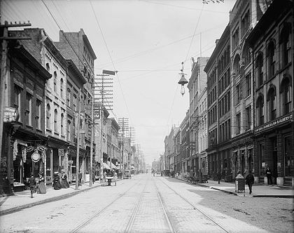 Gay Street in the early 1900s Knoxville-gay-street-1900s.jpg
