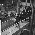 Koningin Juliana en prins Bernhard brengen een bezoek aan de Hoogovens te IJmuid, Bestanddeelnr 917-1470.jpg