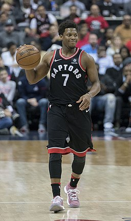 Kyle Lowry brings the ball up court pre Covid-19