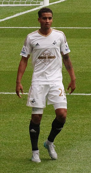 Kyle Naughton - Naughton playing for Swansea City in 2015
