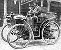 L'éclair en 1895 (des frères Michelin au Paris-Bordeaux-Paris, première voiture sur pneumatiques).jpg