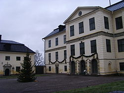 Slottets huvudbyggnad och södra flygel e264ca639932c