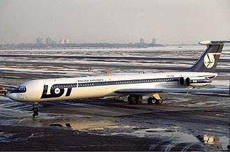 LOT Polish Airlines Flight 7 - Image: LOT Ilyushin Il 62 SP LAA Rose
