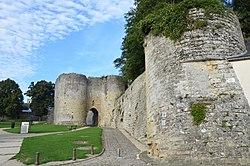 La Tour penchée et la porte de Soissons Laon DSC 0697.jpg