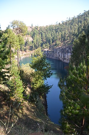 Lake Tritriva - Image: Lac Tritriva 6