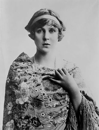 Lady Diana Cooper - Image: Lady Diane Manners 1900 Bain