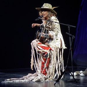 Joanne (Lady Gaga song) - Image: Lady Gaga performing Joanne, 2017 08 05 (cropped)