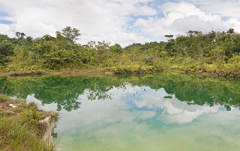 File:Laguna Verde - San Isidro Km 88.jpg