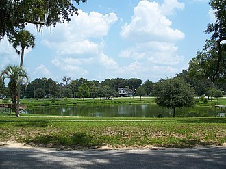 Belleview, Florida - Lake Lillian and its historic district