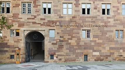 Landesmuseum Württemberg Eingang 2013.jpg