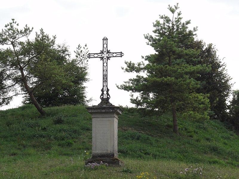 Landrécourt (Meuse) croix de chemin