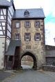Lauterbach Frischborn Schloss Eisenbach Tor der Vorburg innen.png