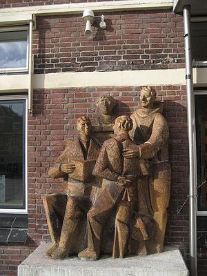 Bonaventure College (Netherlands) -  Mariënpoelstraat: statue