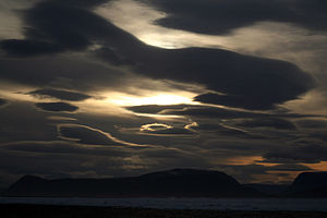 English: Lenticular clouds in High Arctic