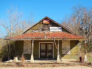 Letohatchee, Alabama - Grocery store in Letohatchee