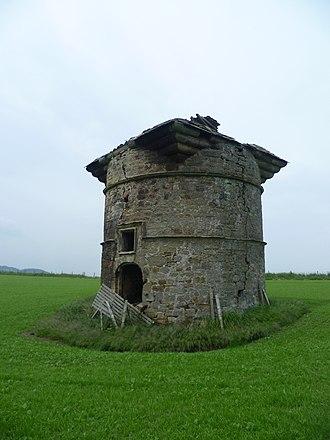Leuchars Castle - The surviving castle doocot