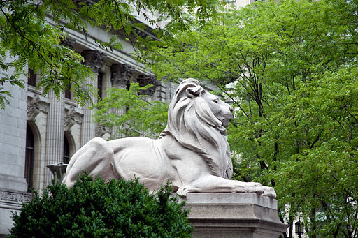 Lion sculpture, New York Public Library, New York, NY 07422u original