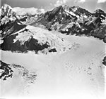 Lituya Glacier, tidewater glacier icefield and hanging glaciers, August 23, 1976 (GLACIERS 5607).jpg