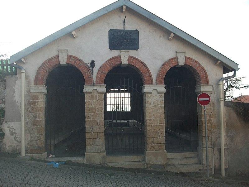Liverdun,_lavoir de la Flie, offert par Nicolas NOEL maire de Liverdun et inauguré le 10 mai 1901.