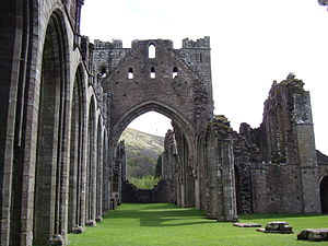 Llanthony Priory - Llanthony Priory tower and nave