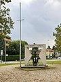 Lodi - monumento ai Marinai d'Italia.jpg