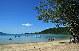 Long Island (Whitsunday Islands, Queensland).jpg