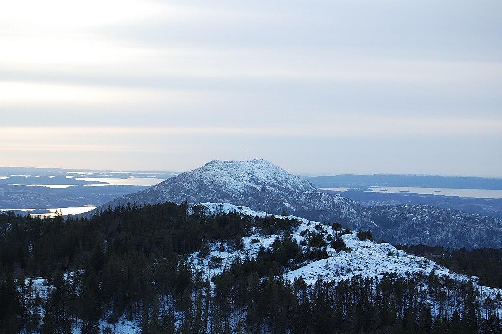 Роскошные пейзажи Норвегии 1024px-Lovstakken_Bergen_Norway_1