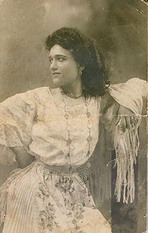 Luisella Viviani nel 1906.jpg
