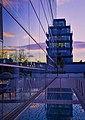 München, Spiegellei an der Mercedes Niederlassung Donnersberger Brücke (11153015963).jpg
