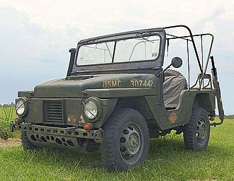 M422 Mighty Mite - Initial series M422, with 65-inch wheelbase