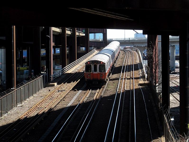 File:MBTA Orange Line train on overpass near Sullivan Square, April 2017.JPG