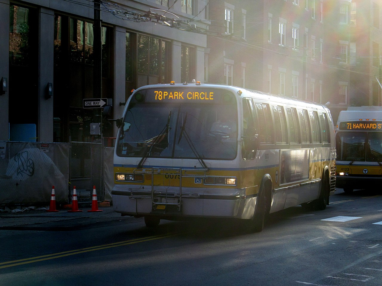 File Mbta Route 78 Bus Entering The Harvard Bus Tunnel
