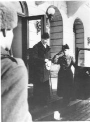 Mannerheim Leaving Presidents Residence