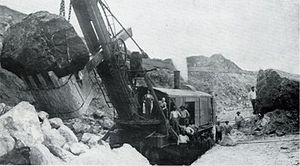 Steam shovel - A Marion Power Shovel Company steam shovel excavating the Panama Canal in 1908.