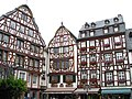 Marktplatz Bernkastel-Kues along the river Mosel in Germany, old houses in traditional wooden frame building style - panoramio.jpg
