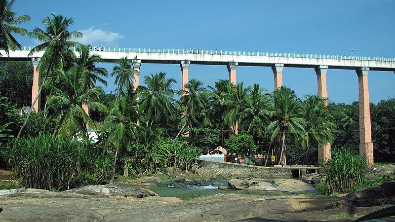 படிமம்:Mathur Hanging Trough Bridge.JPG