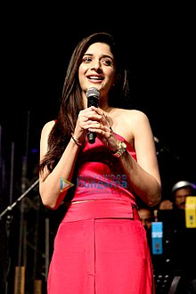 Mawra Hocane at Launch of 'Tera Chehra' at Arijit Singh's concert02.jpg
