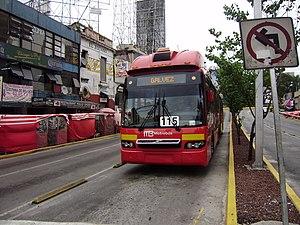 Mexico City Metrobús - Metrobús on Insurgentes station