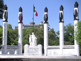 Monument to the six Heroic Cadets, with Chapultepec Castle in the background