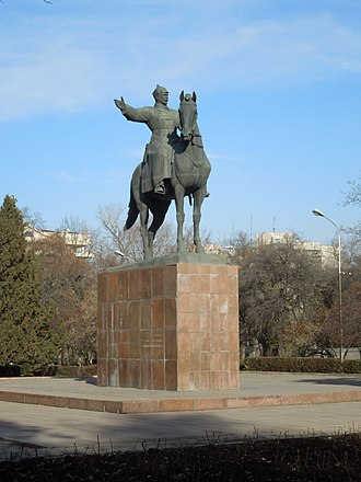 Bishkek - Frunze statue near the railway station