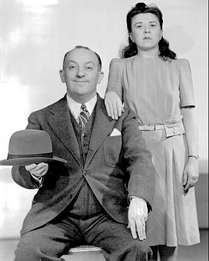 Minerva Pious - Pious with radio actor Charlie Cantor in 1941.