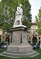 Monumento Alfieri platani.jpg